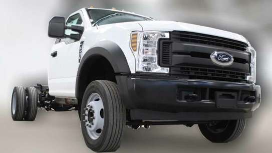 Ford F-450 image 3