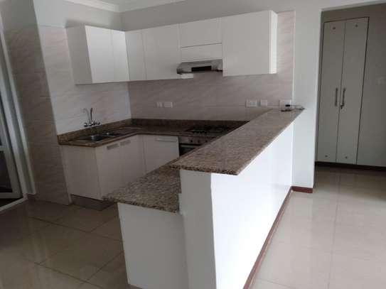 1 bedroom apartment for rent in Kileleshwa image 3