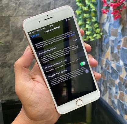 Iphone 7 plus *Golden* image 2