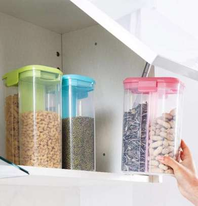 Partitioned cereal containers Set