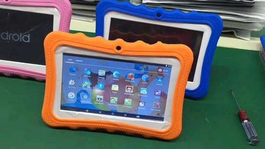 Iconix c-703 kids learning tablet image 1
