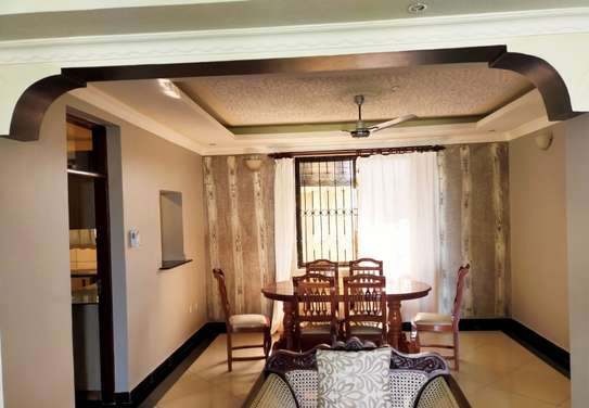 4 bedroom house for rent in Shanzu image 8