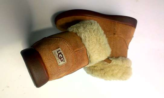girls fluffy boots image 1