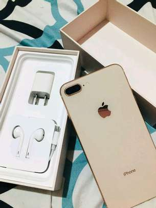 Apple Iphone 8 Plus  : 256 Gb & Iwatch Series 3 ( gps and cellular version ) image 4