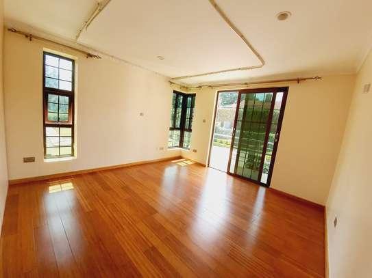 4 bedroom house for rent in New Kitusuru image 11