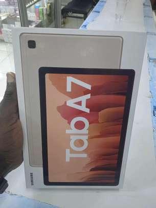 Samsung 10.4 Inch Tablets, 32gb 3gb Ram 7040mAh Battery(in shop) image 1