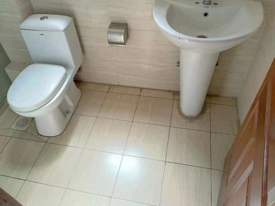 2 bedroom master ensuite apartment in Kilimani image 6