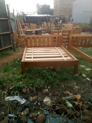 Wood bed size 5 by 6