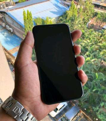 Apple Iphone Xr Black 256 Gigabytes And Iwatch image 3
