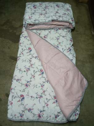 Binded quality Duvets image 7