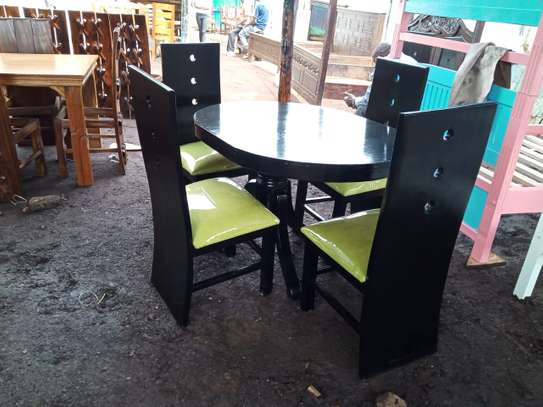 4 Seater Dinning set image 1