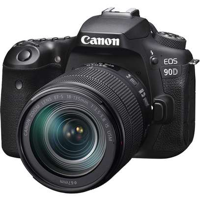 Canon EOS 90D DSLR Camera with 18-135mm Lens image 1