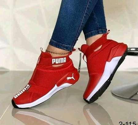 Ladies puma sneakers image 1