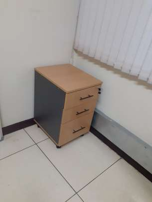 L-Shaped Executive Desk 1.6Meter Ksh. 23,500.00 With Free Delivery image 6