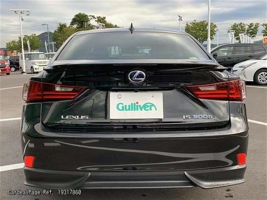 Lexus IS image 5