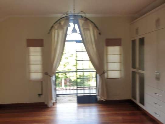 5 bedroom villa for rent in Runda image 7