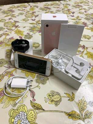 Apple Iphone 7 256 Gigabytes & Airpods image 1