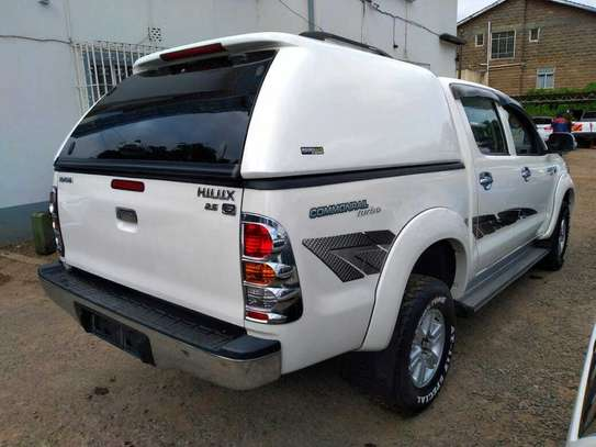 Toyota Hilux image 5
