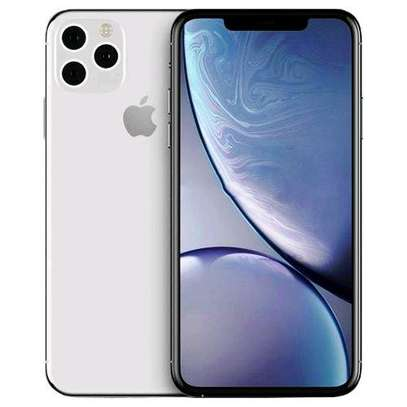 IPHONE 11 PRO MAX 256GB NEW WITH 2 YEARS WARRANTY AND ONE YEAR SCREEN WARRANTY image 1