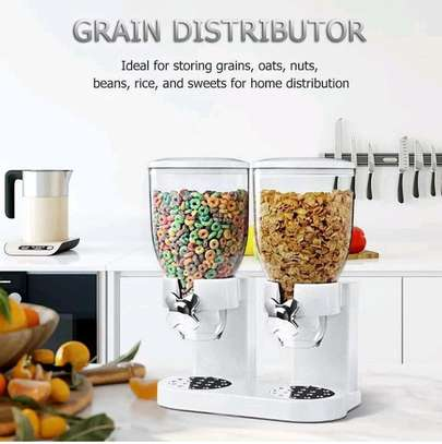 Round cereals dispenser image 1