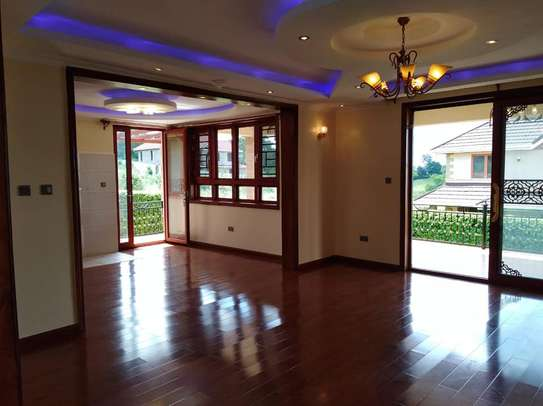 4 bedrooms mansion to let image 5
