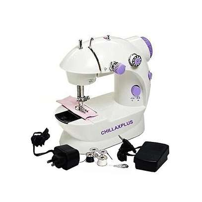 Portable Home Handwork Electric Mini Sewing Machine With Led Light image 3