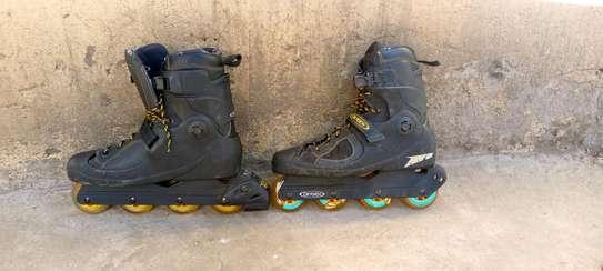Skating shoes image 3
