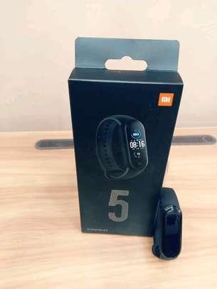 Xiaomi mi band 5 image 2
