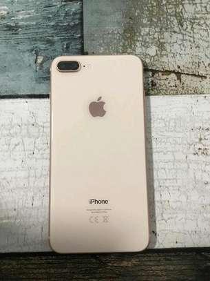 Apple Iphone 8 Plus Gold 256 Gigabytes image 2