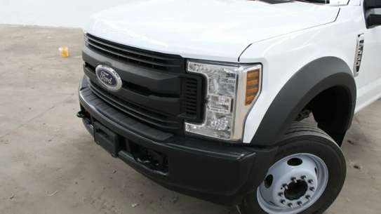 Ford F-450 image 4