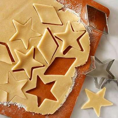 12pc stainless steel cookies cutyer image 2