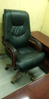 Executive adjustable office chairs image 2