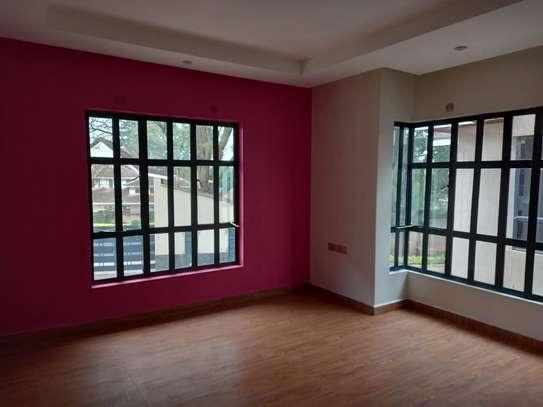 4 bedroom villa for rent in Lavington image 13