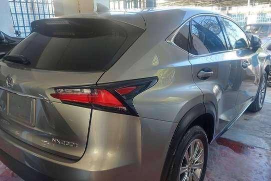 Lexus NX 200T image 2
