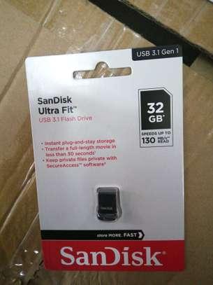 SanDisk ultra fit 32gb image 1