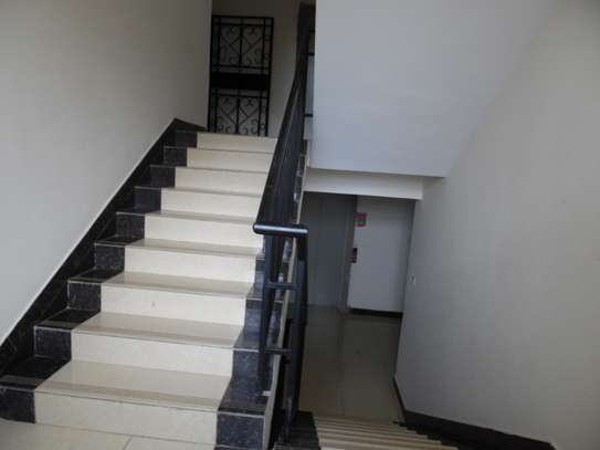 3 bedroom apartment for rent in Kilimani image 3