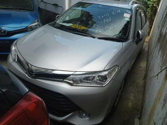 Toyota Fielder image 5