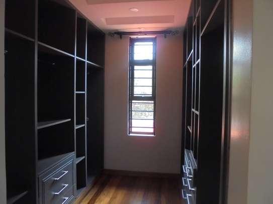 6 bedroom house for rent in Runda image 16