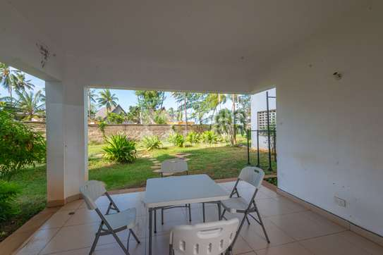 Furnished 3 bedroom apartment for sale in Bamburi image 10