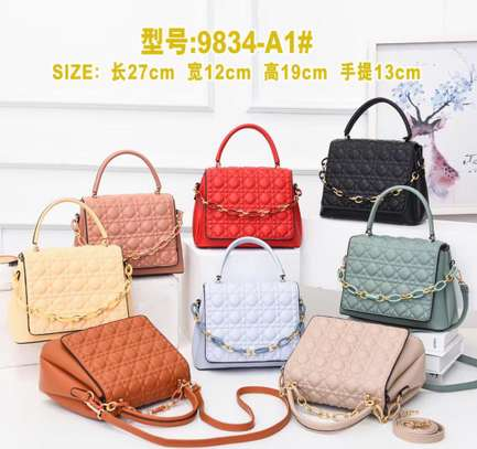 Classy unique Handbags image 3