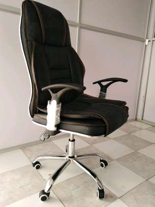 Executive Office Chair image 3
