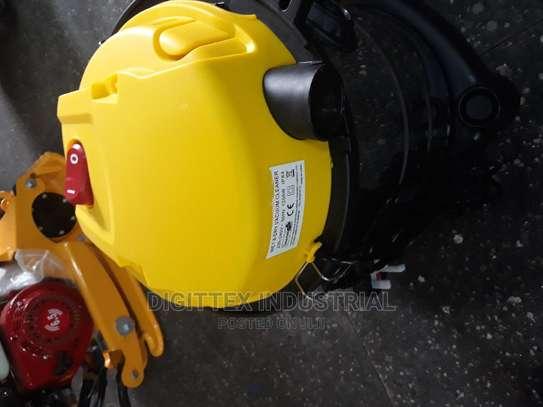 Aico Vacuum Cleaner 20l image 1