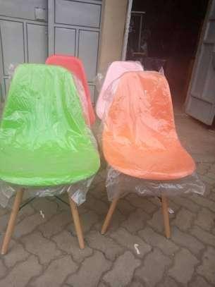 Plastic vistor seat image 2