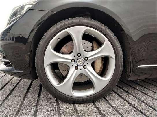 Mercedes Benz - S-Class image 3