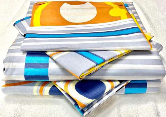 Bed sheets 7 by 8 white prints image 1
