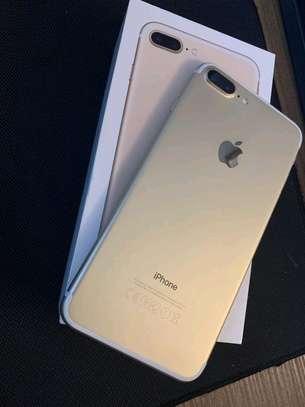 Apple Iphone 7 Plus Gold [ 256 Gigabytes ] image 1