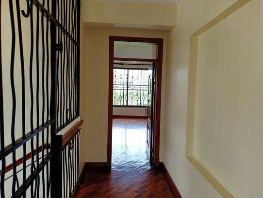 4 bedroom house for rent in Garden Estate image 8