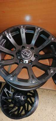 Size 17 Toyota Hilux rims image 4