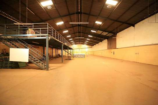 15000 ft² warehouse for rent in Kikuyu Town image 8