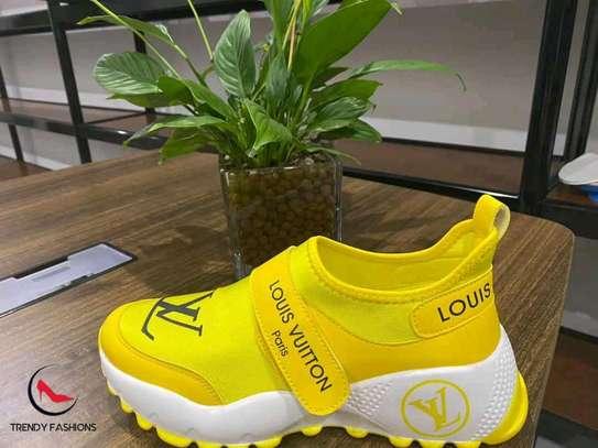 Original Louis Vuitton shoes image 1